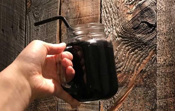 黒い飲み物
